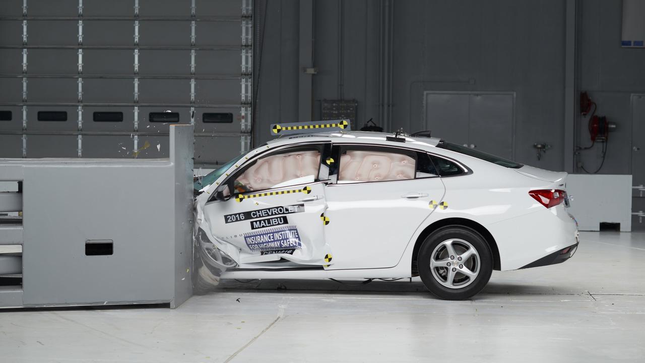2016 Chevy Malibu Crash Test