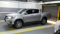 2016 Toyota Hilux to debut on May 21