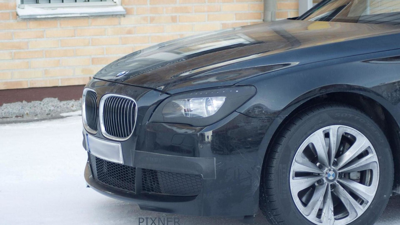 2013 BMW 7-series facelift prototype with M Sport Package - spy photo