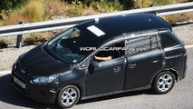 2011 Ford C-Max: Glimpse of Interior Spied
