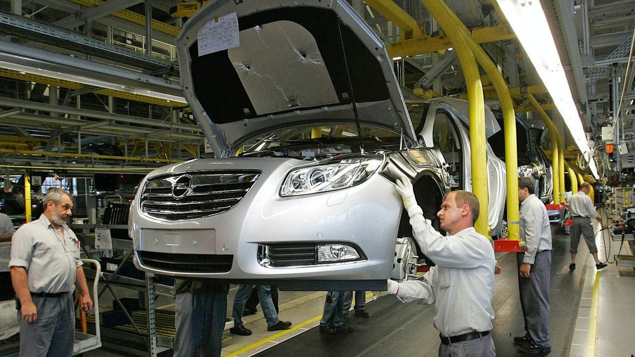 Opel Insignia production line, Antwerp, Belgium - 21.01.2010