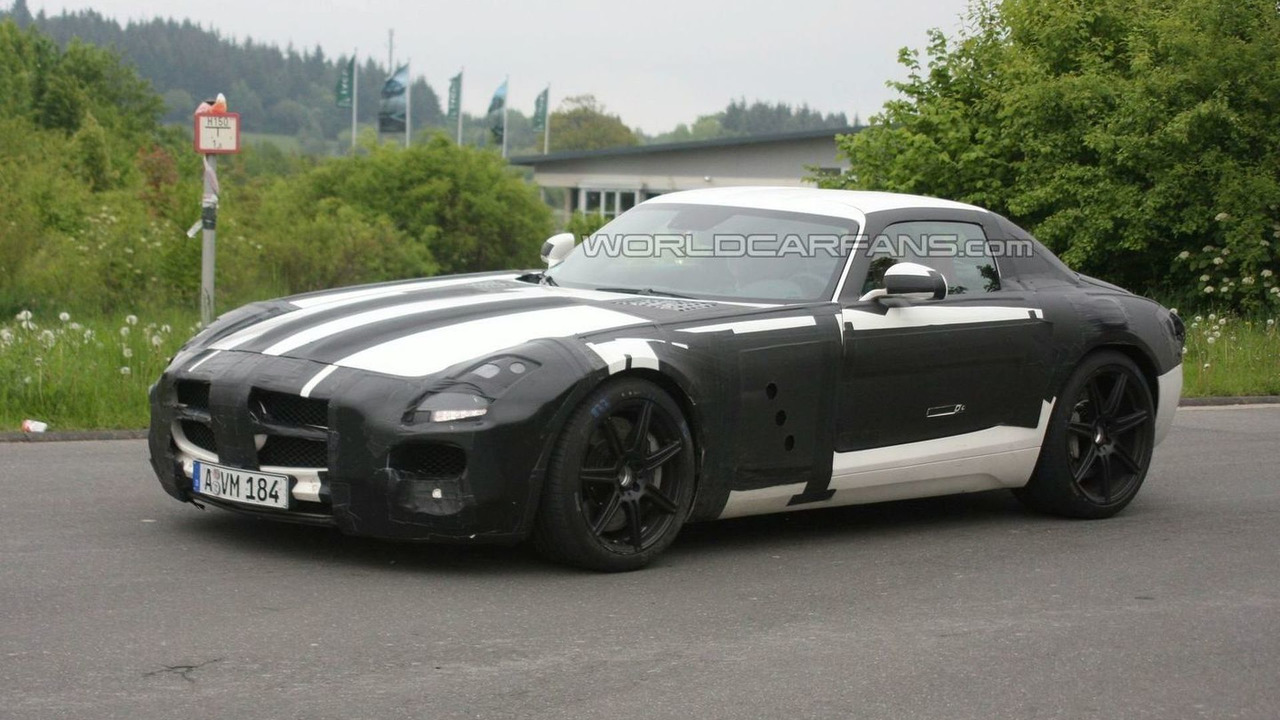 Mercedes SLS AMG Gullwing white prototype spy photos