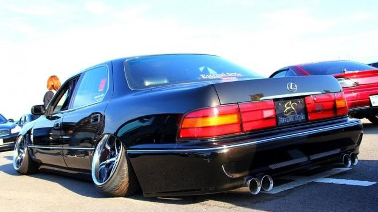Extreme Negative Camber Trend Amuses And Bewilders Video