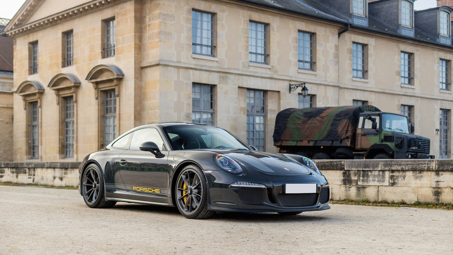 One-off Porsche 911 R pays tribute to a legend