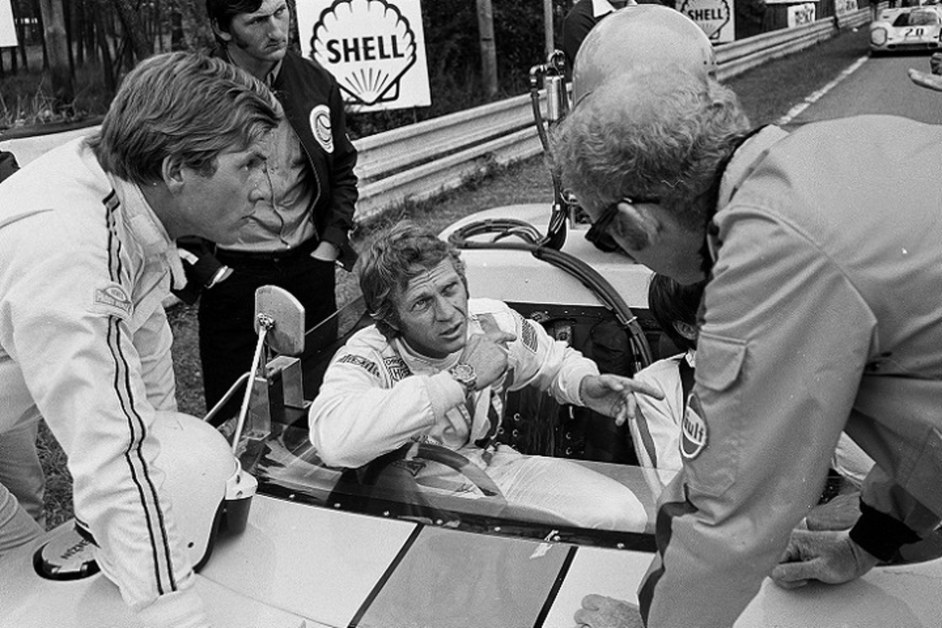 paul newman and steve mcqueen the beef between two racers. Black Bedroom Furniture Sets. Home Design Ideas