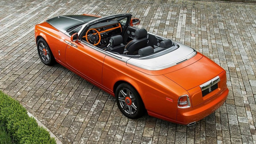 Bespoke Rolls-Royce Phantom DHC is just peachy