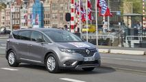 Renault Espace Autonomous Drive demonstrators showcased in Amsterdam