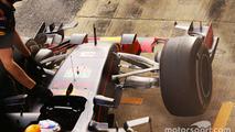 Daniel Ricciardo, Red Bull Racing RB11 in the pits