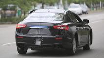 2016 Alfa Romeo Giulia test mule spy photo