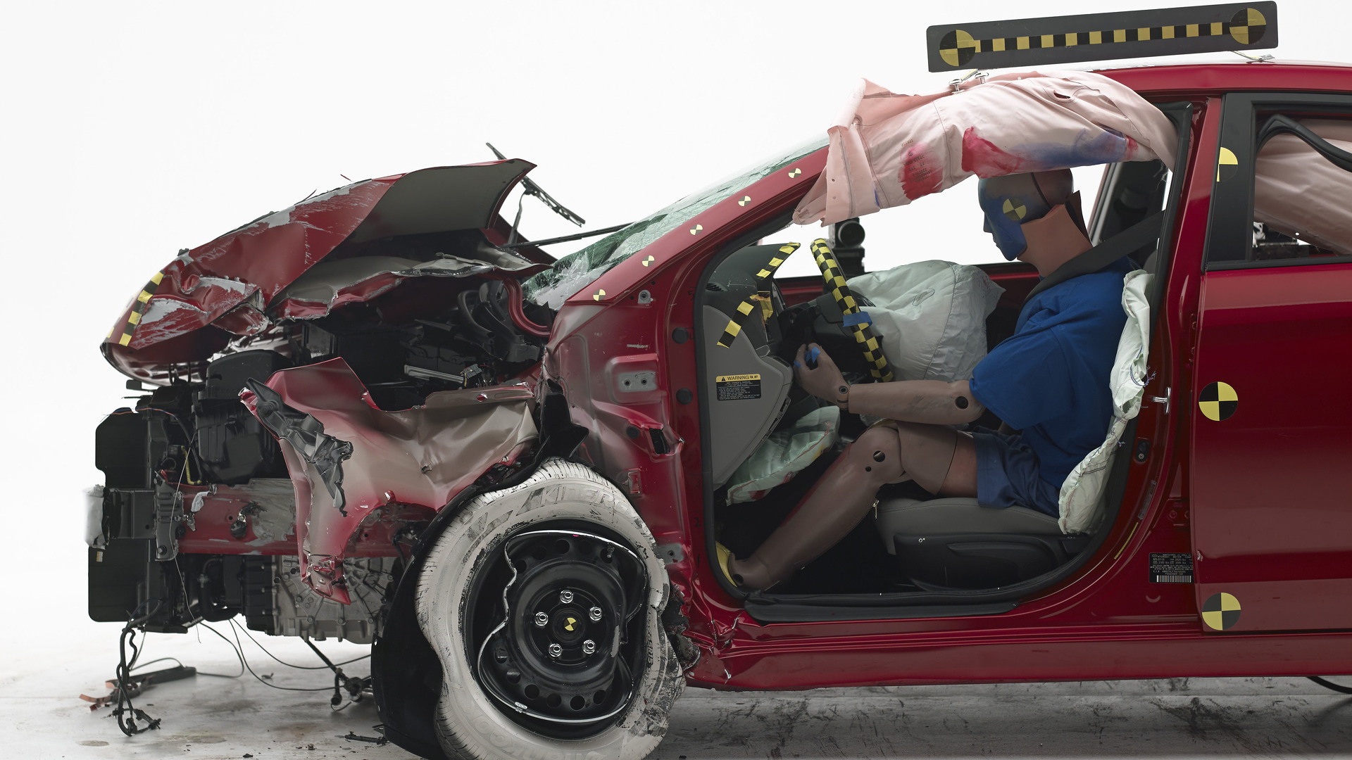 U.S. motor vehicle deaths up 9 percent in first half of 2016