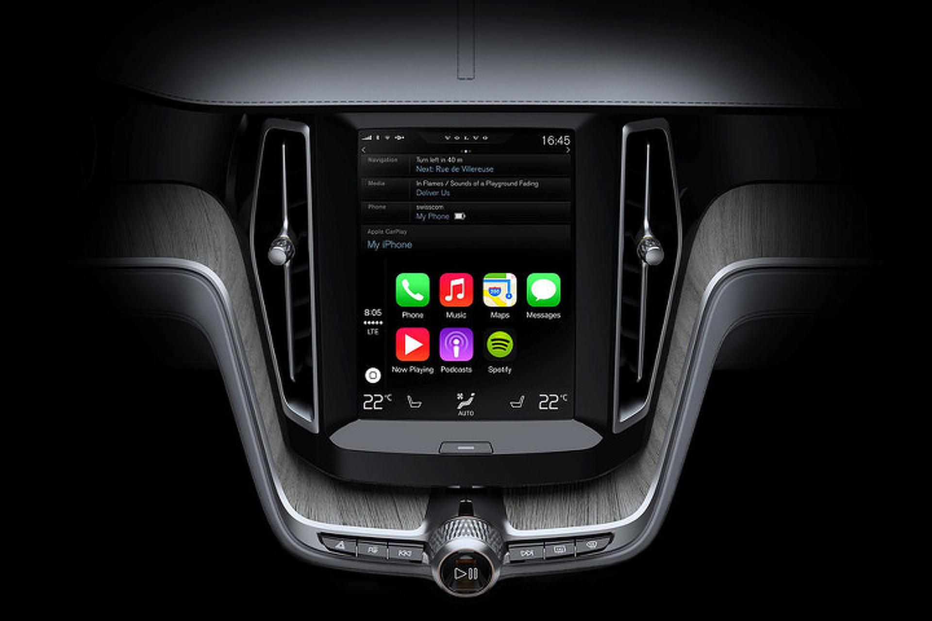 Apple CarPlay: Big Help or Big Distraction?