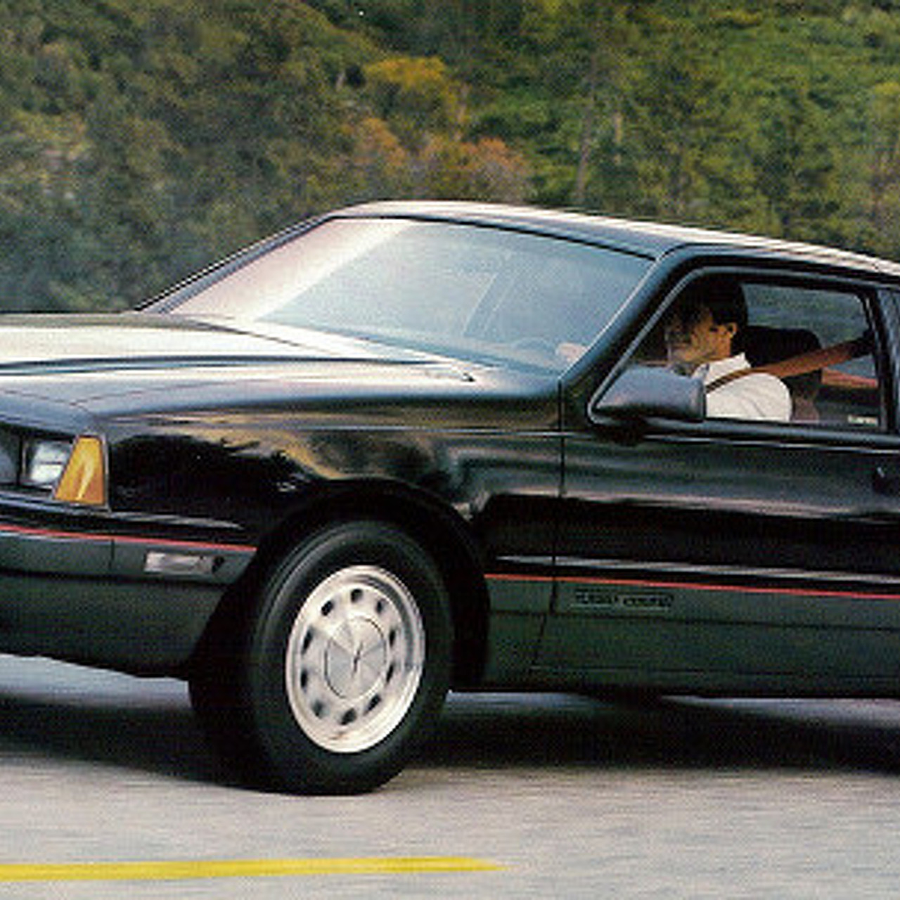 When Ford Tried to Compare a Thunderbird to a BMW 6 Series [video]
