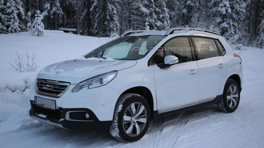 PSA-based Opel mule spied, is it a new crossover?