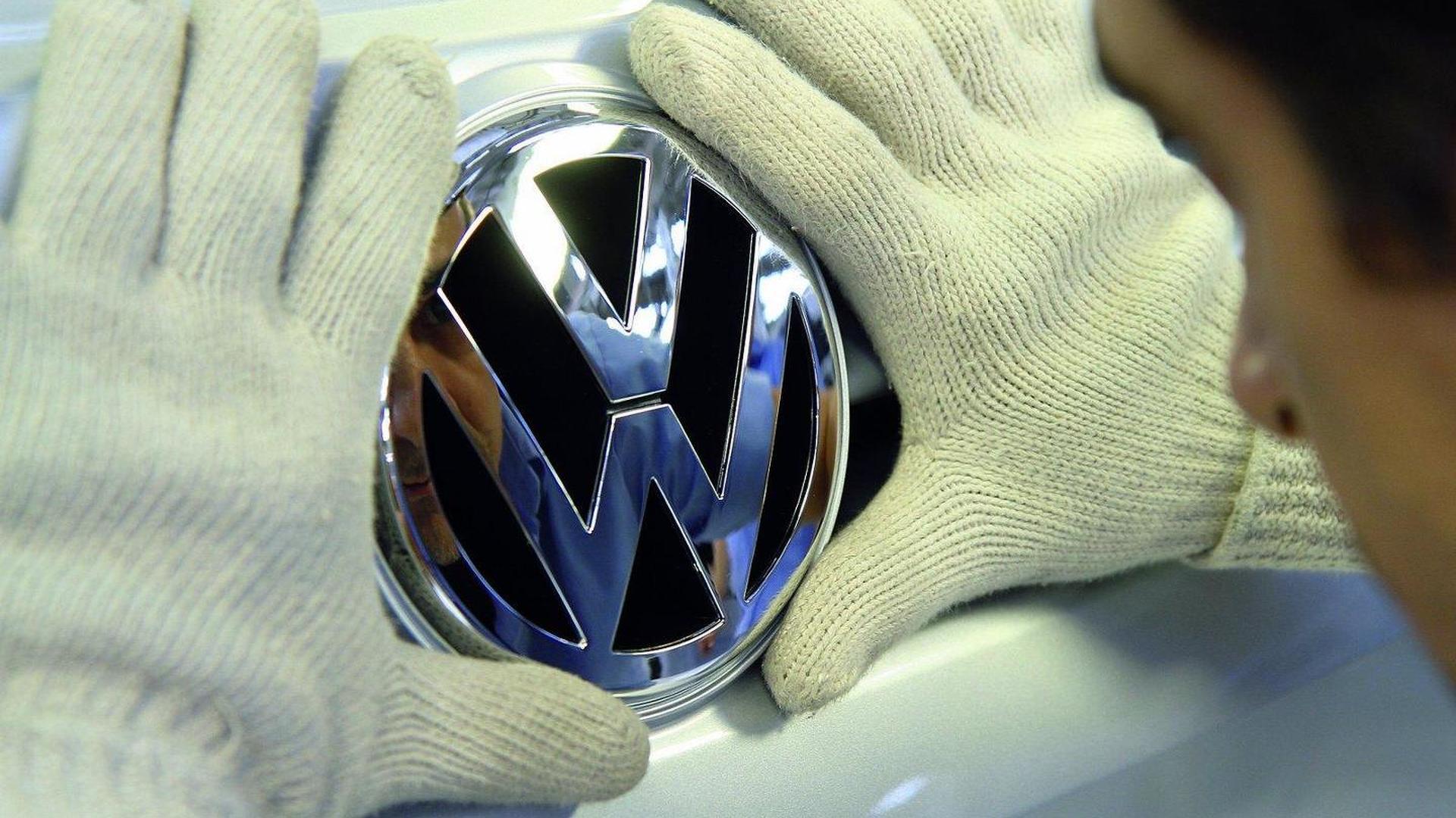 Porsche buys part of Suzuki's stake in Volkswagen