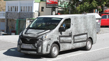 2015 Renault Trafic spy photo