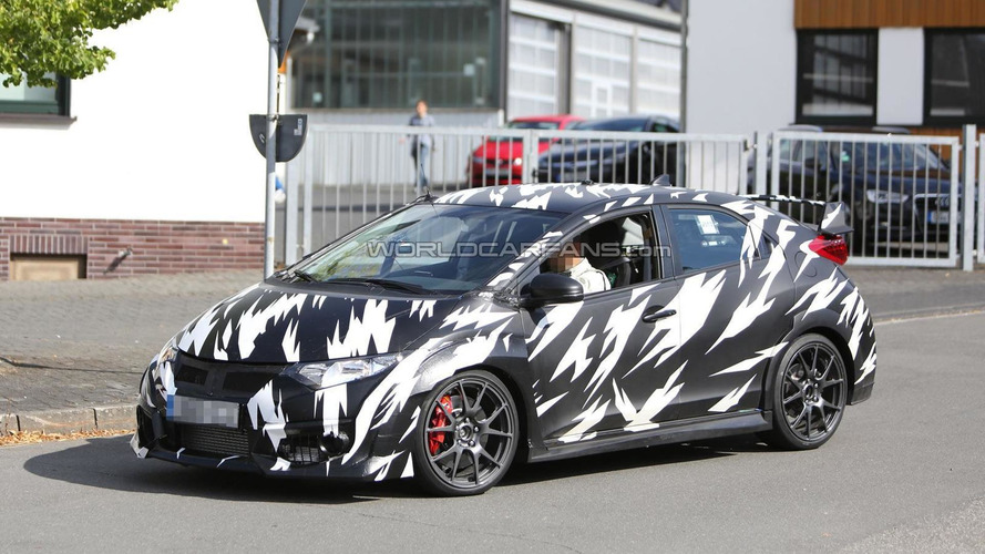 2015 Honda Civic Type R returns in new spy shots