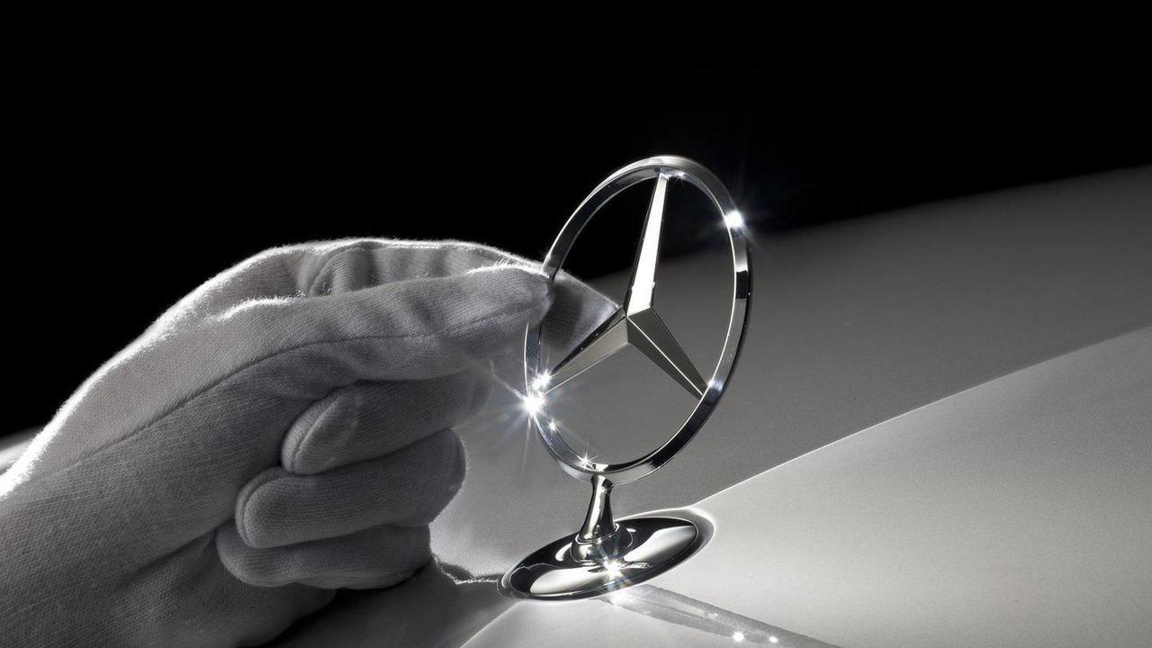 Mercedes-Benz badge/logo 07.10.2011