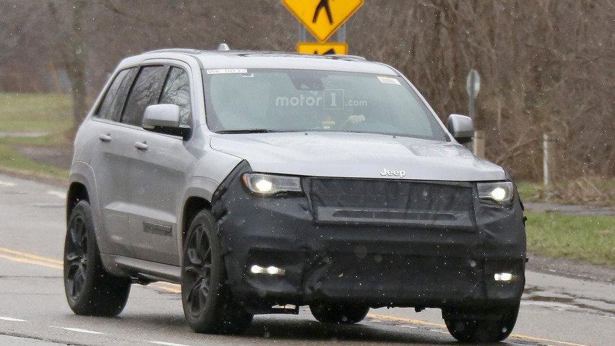 Jeep Grand Cherokee Trackhawk spied hiding extra air intake