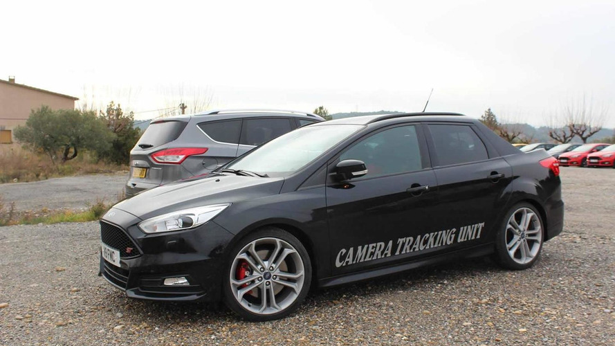 Ford Focus ST Turnier turned into a pick-up camera car