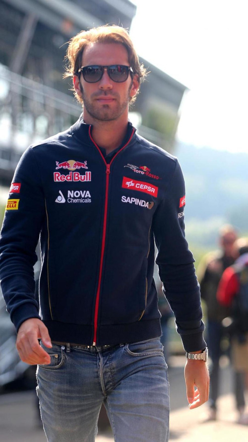'Too old' Vergne on quest for new F1 team