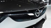 Les discussions entre GM et PSA se poursuivent pour le rachat d'Opel
