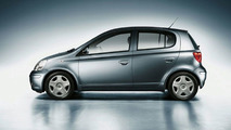 Toyota Adds New Version to Yaris 2004 Line-up