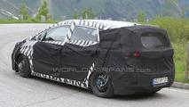 Hyundai i30 MPV spy photos in Alps, 16.06.2010