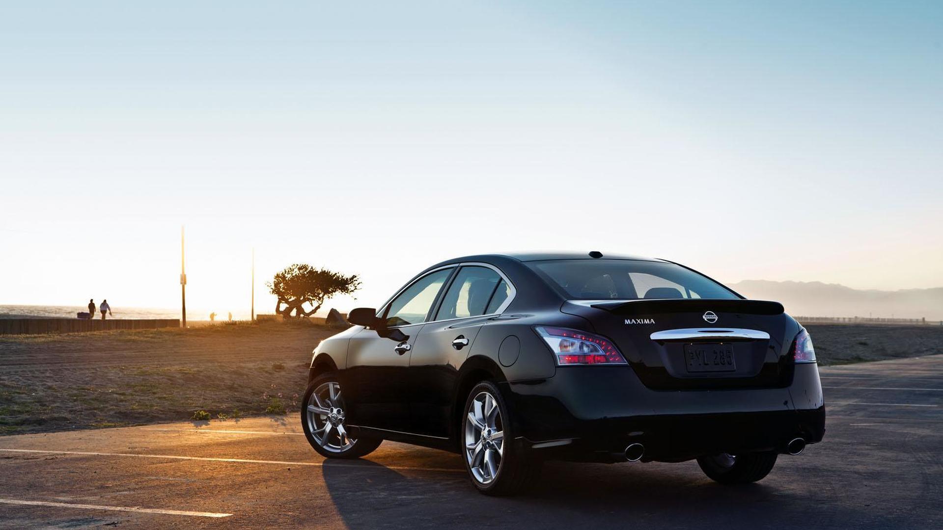 2012 Nissan Maxima gets a nip/tuck