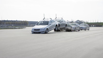 """""""Automated Driving"""" at Mercedes-Benz - """"Automated Driving"""" supplements the Mercedes-Benz testing programme at manoeuvres which would put a particular strain on test drivers: for example, validation of the airbag in triggering extreme driving situations (e"""
