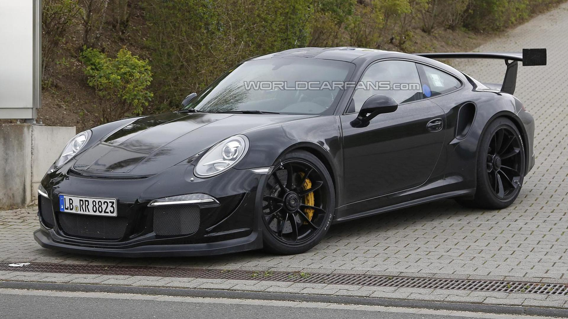 Porsche 911 GT3 RS spied up close and personal