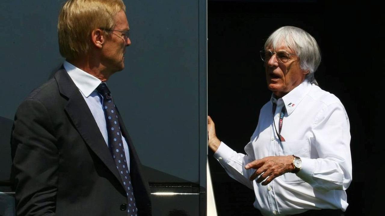 Ari Vatanen (FIN) with Bernie Ecclestone (GBR), President and CEO of Formula One Management, European Grand Prix, Valencia, Spain, 23.08.2009