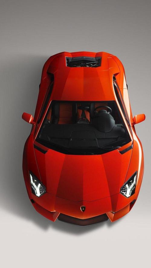 Lamborghini Aventador LP700-4 on the Vallelunga track [video]