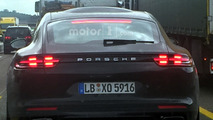 Weird Panamera mule has a bubble on its roof