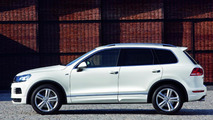 Volkswagen Tiguan and Touareg receive R-Line treatment for NAIAS