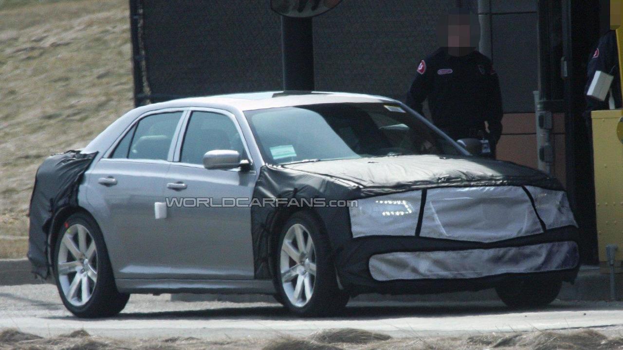 2012 Chrysler 300C SRT8 spied 22.03.2011