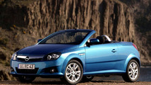 New Opel Tigra TwinTop voted Cabrio of the Year 2004
