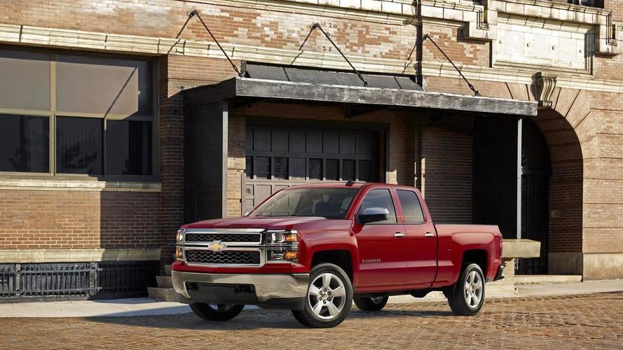 Chevrolet reveals 2015 Silverado Custom for Chicago Auto Show