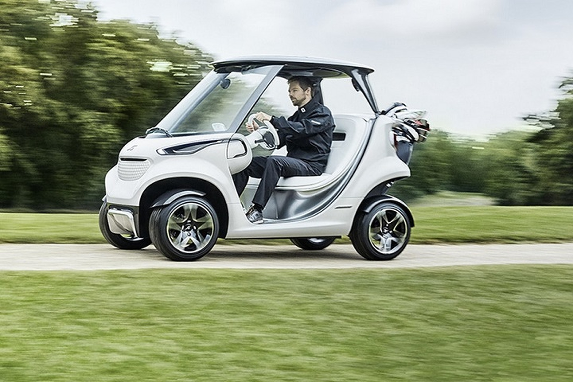 Mercedes-Benz Hits the Links With the Luxurious Garia Golf Cart