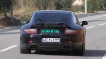 Porsche 911 spied - new rear spoiler - 02.12.2010