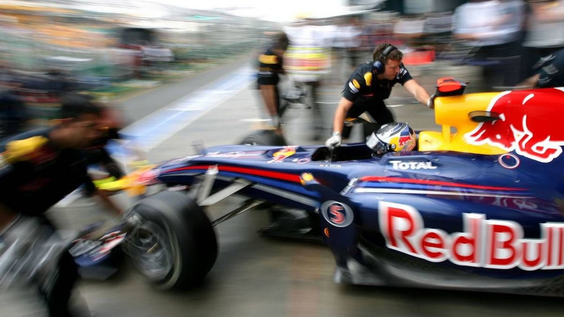 Horner says no ride-height system on Red Bull car