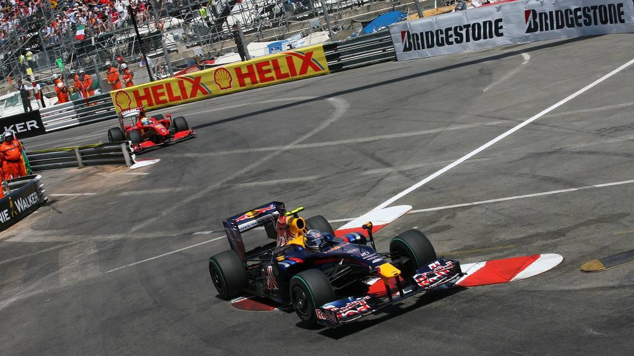Sebastian Vettel cuts the kerb during 2009 Monaco Grand Prix
