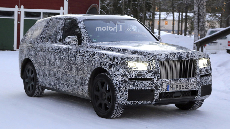 Rolls-Royce Cullinan spied on the move