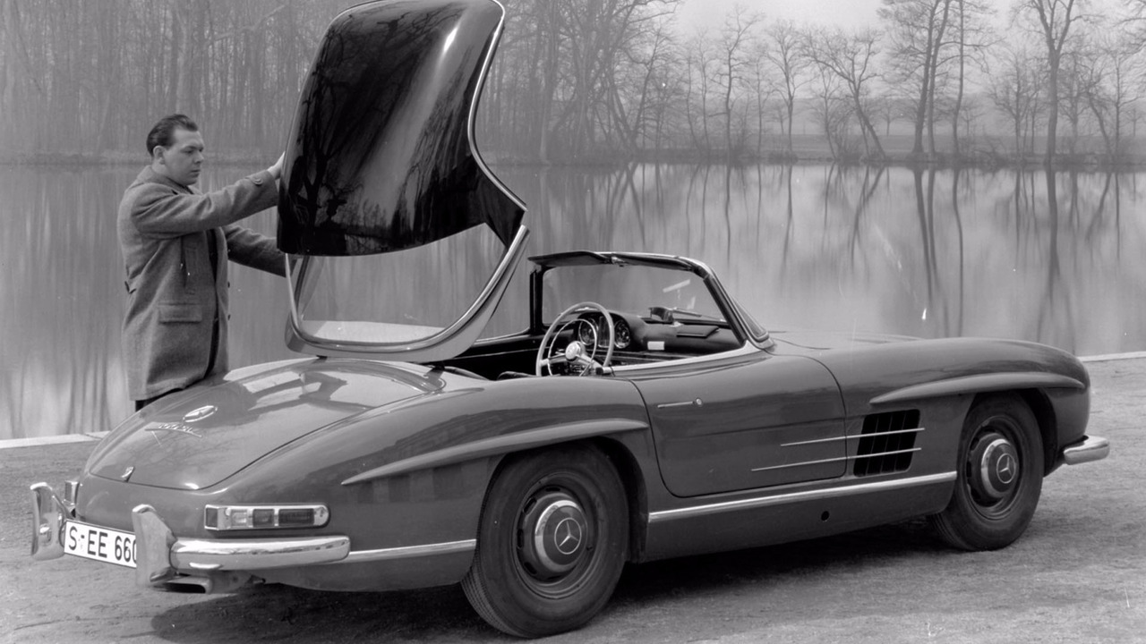 Mercedes marks 60 years of the 300 sl roadster for Mercedes benz 300 sl roadster