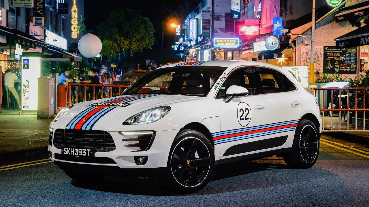 Porsche Macan Martini Racing