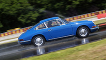 Porsche creates old-look, modern tires for its classics