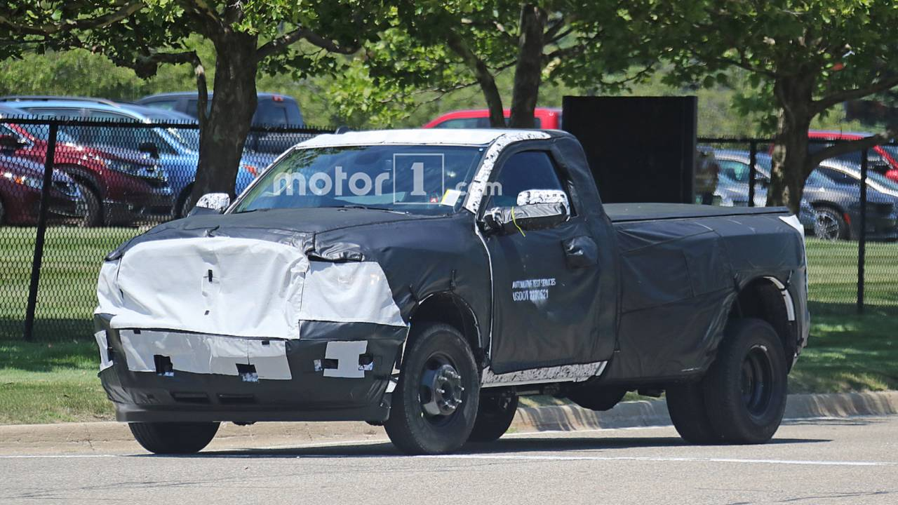 2020 Ram 2500 Hd Spied on 2018 chevy 3500 dually