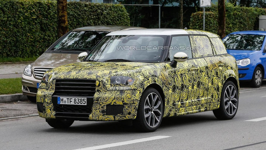 Next-gen MINI Countryman makes spy photo debut