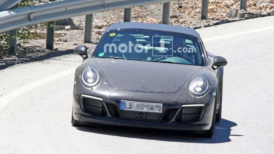 Porsche 911 Targa GTS Facelift Photos espion