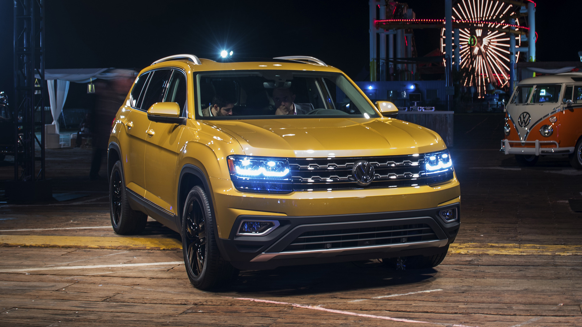 2018 volkswagen atlas revealed with two engines three rows. Black Bedroom Furniture Sets. Home Design Ideas