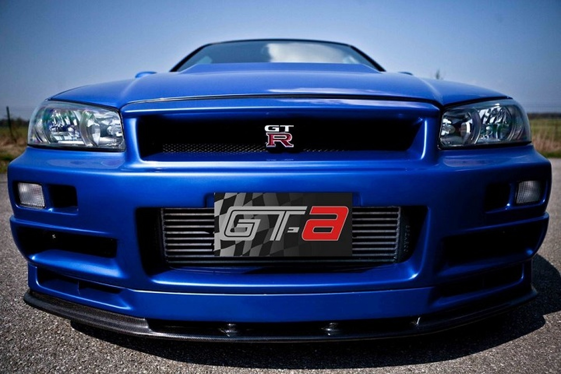 Paul walkers fast and furious 4 nissan skyline gt r is for sale paul walkers fast and furious 4 nissan skyline gt r is for sale product 2014 12 04 153053 vanachro Gallery